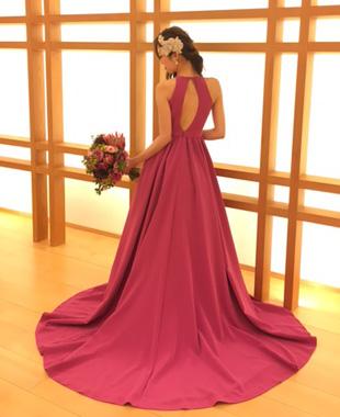 白のミカドシルクドレスとピンクのカラードレス♪