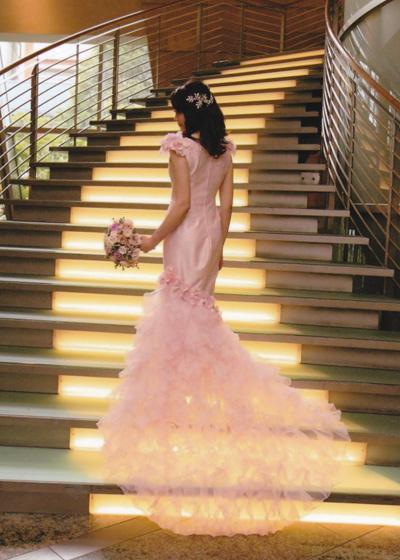 お母さまのカラードレスを大人可愛いマーメイドドレスにリメイク!