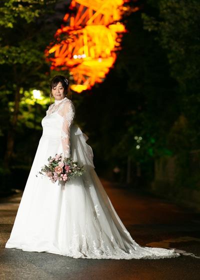 ハイネックのロングスリーブのボレロのAラインウエディングドレス