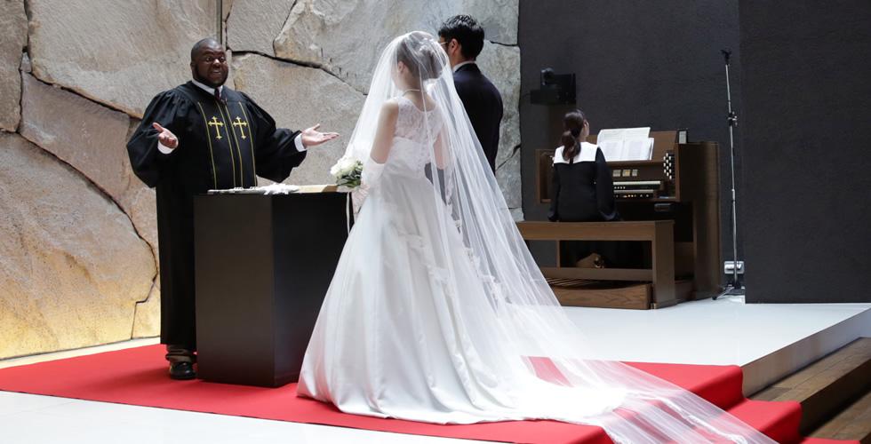 「和」の素材でウェディングドレス